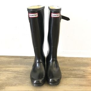 Hunter Black Tall Glossy Rain Boots w Broken Strap